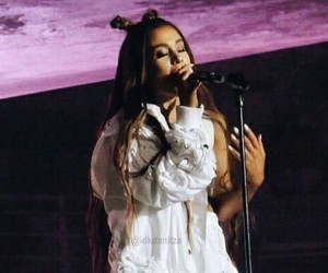 singer, ariana grande, and dwt image