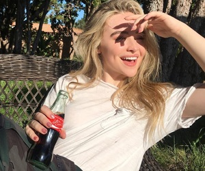 sabrina carpenter and coca-cola image