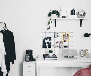 blogger, decor, and desk image