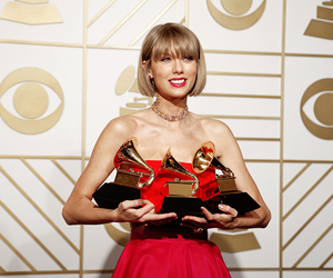 Taylor Swift and grammy image