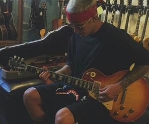 justin bieber, bieber, and guitar image