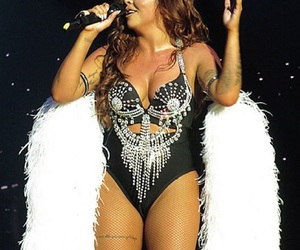 jesy nelson, little mix, and concert image