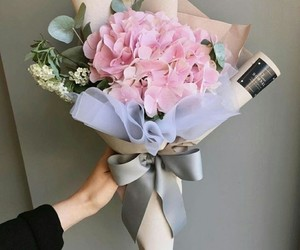 bouquet and pink image