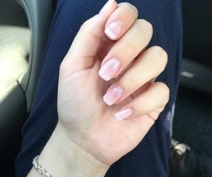 nails and francesa image