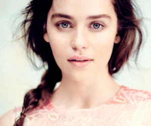 emilia clarke, game of thrones, and daenerys targaryen image