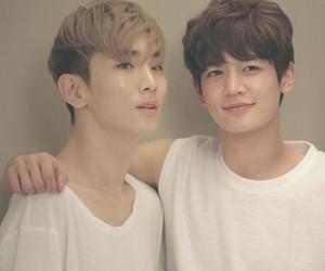 key, kpop, and Minho image