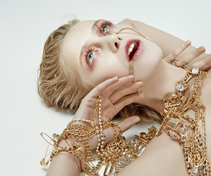aesthetic, gold, and girl image