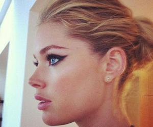 model, Doutzen Kroes, and makeup image