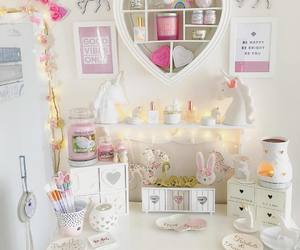 room decor, yankee candles, and summer scoop image