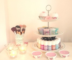 makeup, yankee candles, and floral candle image