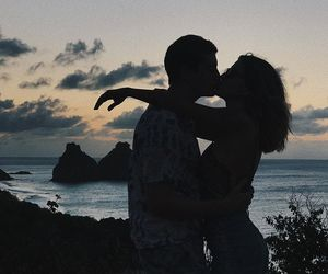 casal, couples, and kiss image