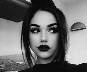 girl, maggie lindemann, and black and white image