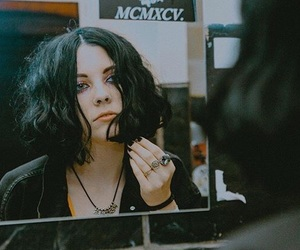 pale waves image