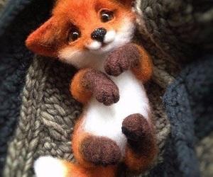 fox, лиса, and игрушка image