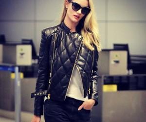 chaqueta and aeropuerto image