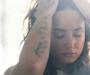demi lovato, Queen, and simply complicated image