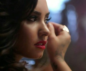 demi lovato, make-up, and simply complicated image