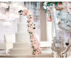 cake, emirates, and happygirl image