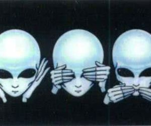 alien, hear, and No Evil image