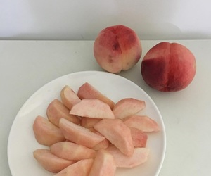 aesthetic, food, and peach image