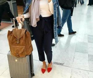 travel style hijab image