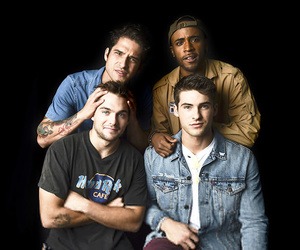 dylan sprayberry, tyler posey, and cody christian image