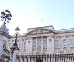 Buckingham palace, london, and luxury lifestyle image