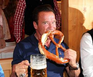 actor, eating, and Arnold Schwarzenegger image
