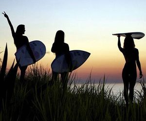 girls, surf, and surfing image