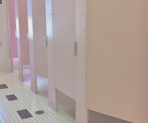 aesthetic, bathroom, and grunge image