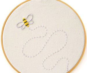 bee, creative, and embroidery image
