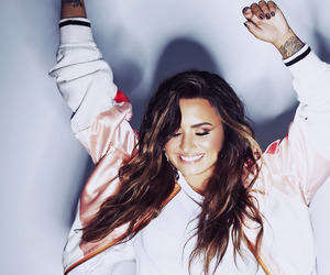 demi lovato, sorry not sorry, and beauty image