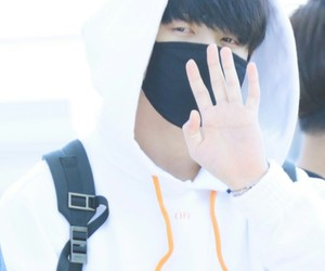 k-pop, white, and airport fashion image