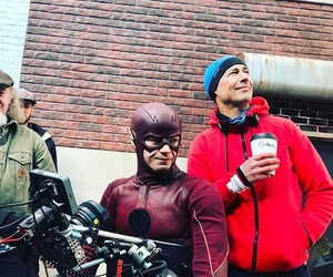 flash, barry allen, and tv image