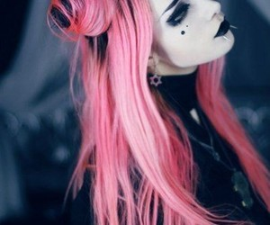 hair, pink, and goth image