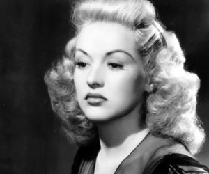 Betty Grable, classic hollywood, and vintagetwists image