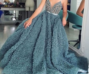 dress and style image
