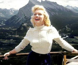 Marilyn Monroe, legend, and smile image