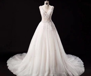 tulle dress, v neck wedding dress, and fashion wedding dress image