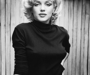 Marilyn Monroe, black and white, and marilyn image