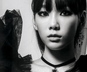 beauty, taengoo, and black and white image