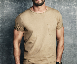 handsome, Hot, and chris hemsworth image