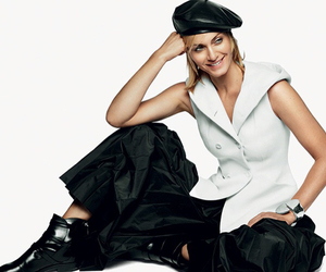 actress, celebrity, and Amber Valletta image