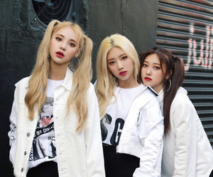 loona, odd eye circle, and kpop image