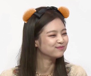 jennie, blackpink, and icon image