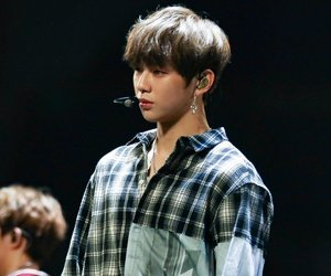 korean, wanna one, and kpop image