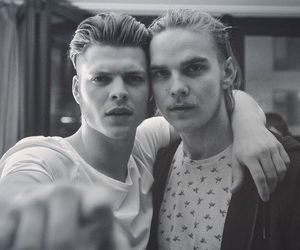 vikings, alex høgh andersen, and ivar image
