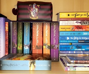 books, bookshelf, and Caravan image