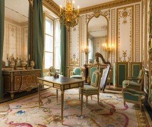 green, king, and palace image