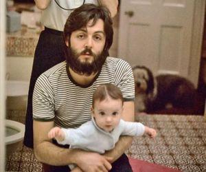 Paul McCartney, baby, and linda mccartney image